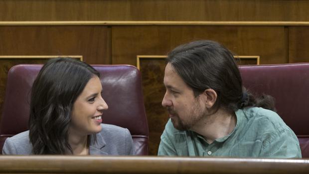 Irene Montero y Pablo Iglesias, adalides de lo estúpidamente correcto.