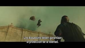 Fassbender y Marion Cotillard luchan contra los templarios en «Assassin's Creed»