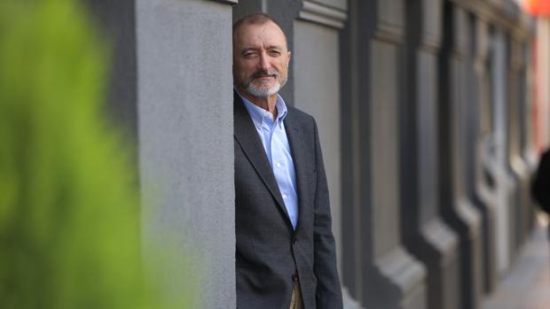 El escritor Arturo Perez-Reverte