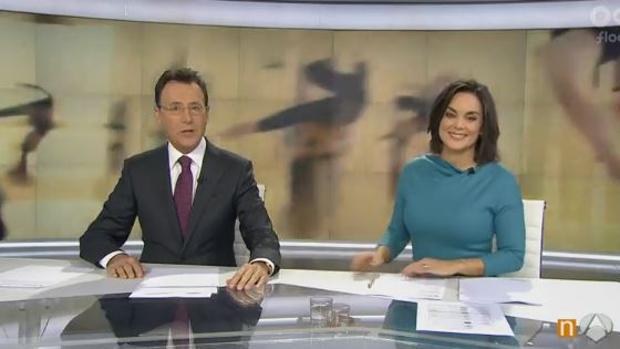 Matías Prats hace un «Mannequin Challenge» en pleno informativo