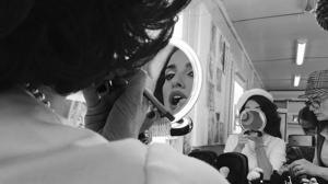 Desde el corazón de «La Reina de España»: fotografías de un rodaje diferente
