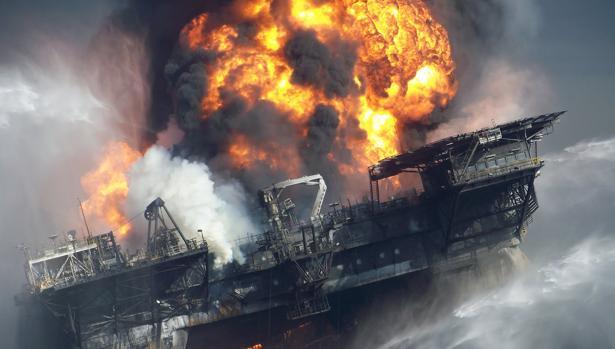 DeepWater Horizon:  El héroe real que sobrevivió a la explosión de la planta petrolifera: «Nunca pudimos encontrar los cuerpos»