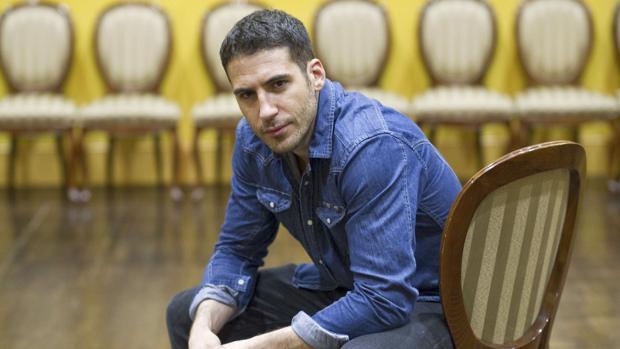 Miguel Ángel Silvestre también es conocido por protagonizar las series «Sense8» y «Velvet»