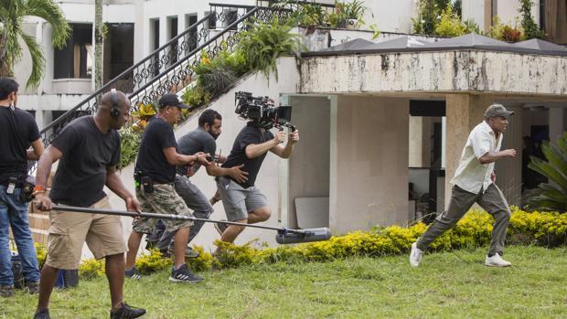 Imagen del rodaje de una escena de la tercera temporada de Narcos