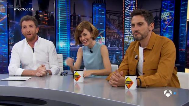 Pablo Motos presenta en El Hormiguero a Paco León y Alexandra Jimenéz