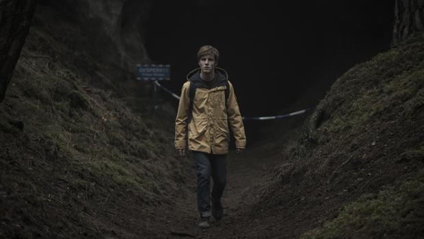 Louis Hofmann es uno de los protagonistas de la nueva producción propia de Netflix, «Dark»