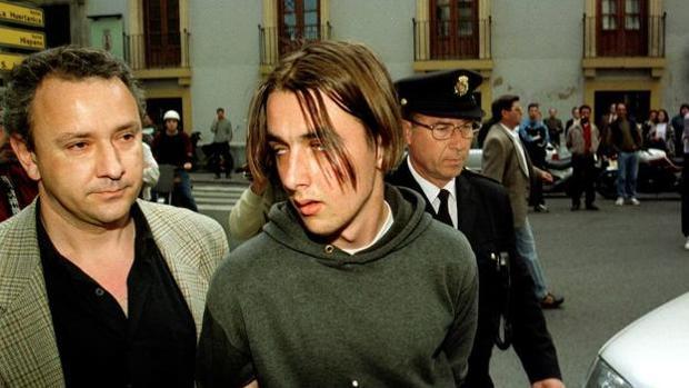 El asesino de la catana, José Rabadanán, durante su detención con 16 años