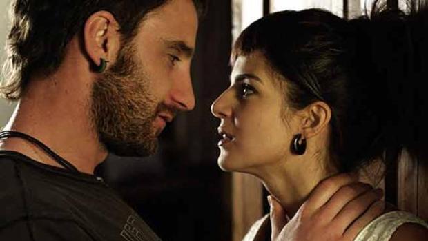 Dani Rovira y Clara Lago en una secuencia de «Ocho apellidos...»