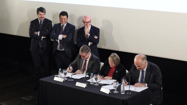 De izquierda a derecha, José María Fernández Lacasa, Óscar Graefenhain, Joan Álvarez, Marcial Marín, Yvonne Blake y Fernando Benzo
