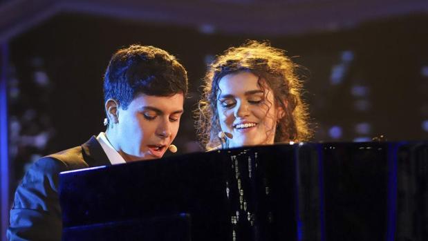 Un momento de la actuación conjunta de Alfred y Amaia cantando «City of stars»