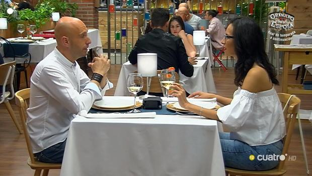 July y David durante un momento de su cita en «First Dates»