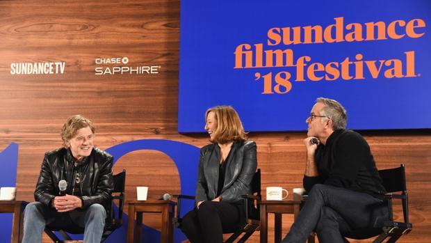 Robert Redford (i) director y fundador del Festival de Sundance