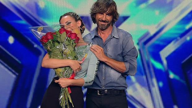 Edurne recibe un regalo de De Gea en Got Talent
