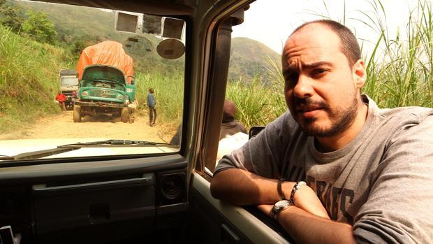 Antonio Pampliega, durante el rodaje de «Pasaporte Pampliega: coltán, mineral de sangre»