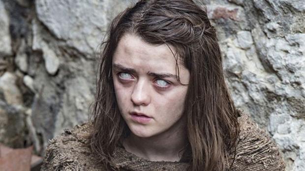 Maisie Williams interpreta a Arya Stark