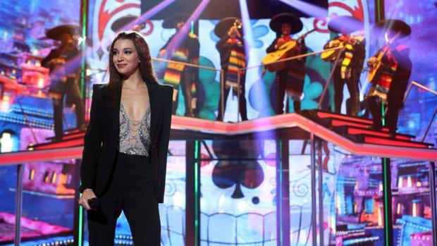 Ana Guerra interpeta «La bikina»