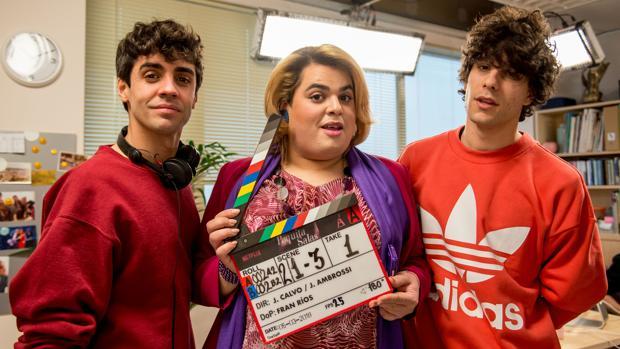 «Los Javis» y Brays Efe comienzan con el rodaje de la segunda entrega de «Paquita Salas»