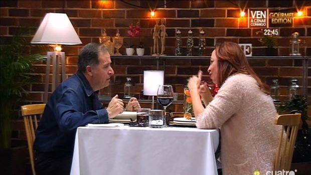Dioni y Fuensanta durante su cena en First Dates