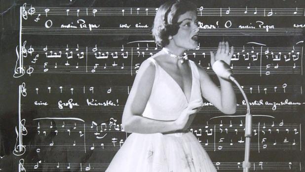 Lys Assia durante la primera edición de Eurovisión, en 1956