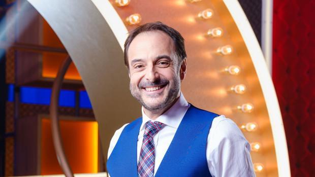 Roberto Vilar, presentador d e«La noche de Rober»