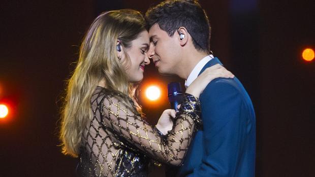 Amaia y Alfred ensayando para su actuación en la final del Festival de Eurovisión 2018