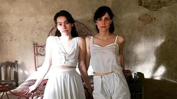 Greta Fernández y Natalia de Molina son «Elisa y Marcela» en la película de Coixet
