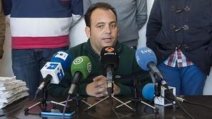 El alcalde de La Algaba: «Se le dio el contrato porque me salió de la polla»