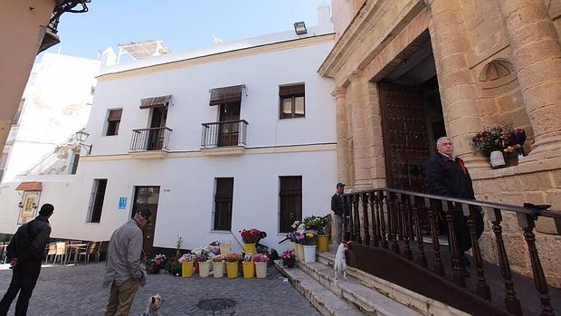 Apartamentos junto a la iglesia de Santa María