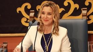 La socialista Ana Isabel Jiménez se proclama nueva alcaldesa de Alcalá de Guadaíra