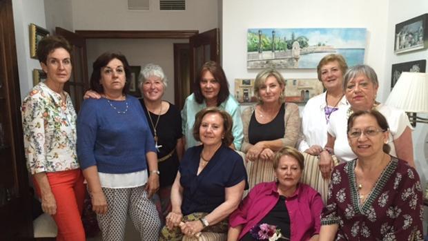 El grupo gastronómico El Almirez al completo, durante su última reunión. | L.V.