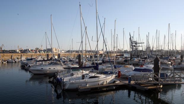 Cuatro puertos deportivos de c diz se transforman para acoger caravanas - Cines puerto deportivo getxo ...