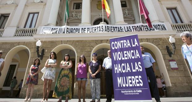 Camelo acusa al PP de reducir el presupuesto contra la violencia de género «en un 26%»