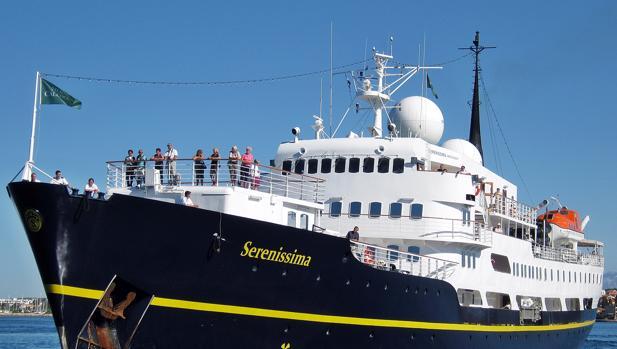 83 pasajeros del buque Serenissima inician hoy su crucero desde el Puerto de Cádiz