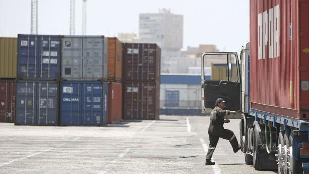 El tráfico de mercancías crece un 21% hasta julio en el Puerto Bahía de Cádiz