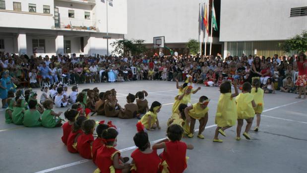 Francia premia al colegio Reyes Católicos de Cádiz por difundir su lengua y su cultura