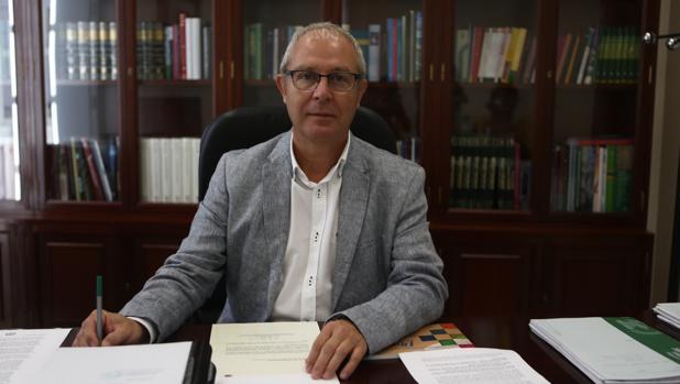 Juan Luis Belizón, en su despacho