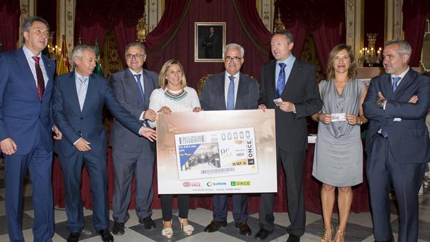 La ONCE rinde homenaje a los noventa años de Radio Cádiz