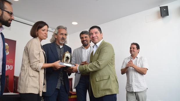 La Isla Ciudad Flamenca atrae a 16.000 personas en su tercera edición