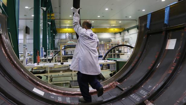El sector aeronáutico sigue al alza y crea un millar de empleos en un solo año