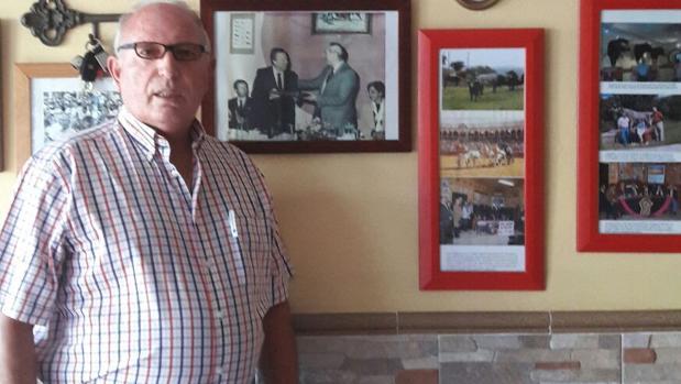 Rafael Aguilera, de 71 años, lo ha sido casi todo en la vida