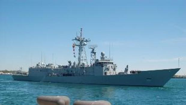 La fragata 'Navarra' zarpa para relevar a la 'Reina Sofía' en la Operación 'Sophia'