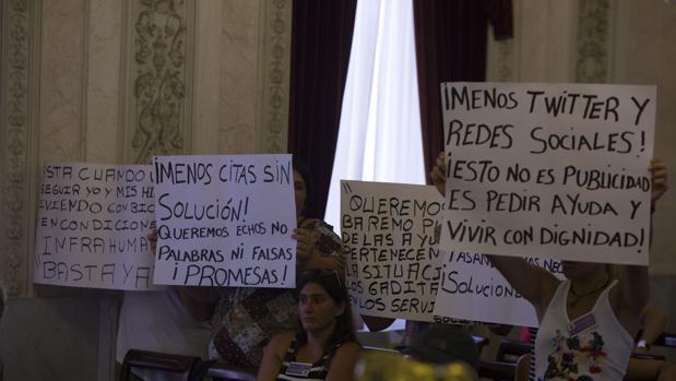 Las mujeres lamentan que se les haya denegado la palabra para el pleno del próximo viernes 30.