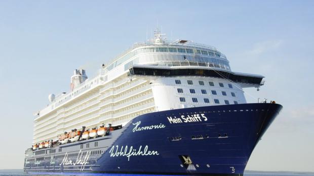 Más de 10.400 personas llegan a la capital a bordo de los tres cruceros