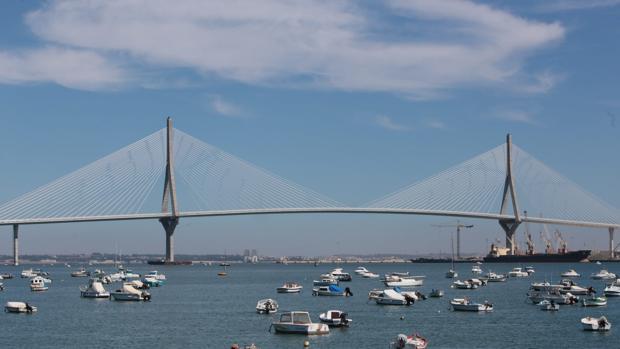 El nuevo puente de la Constitución de 1812 cumple un año desde su puesta en funcionamiento.