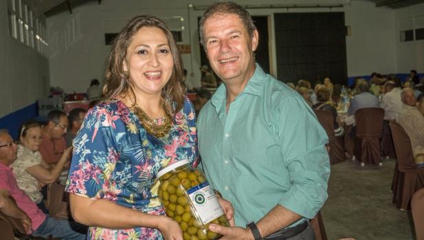 Socorro Moreno con Gabriel Redondo, presidente de Agrosevilla