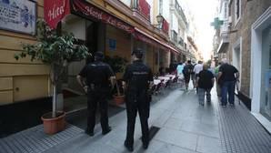 VIDEO: Batalla campal por Primo de Rivera en las calles de Cádiz