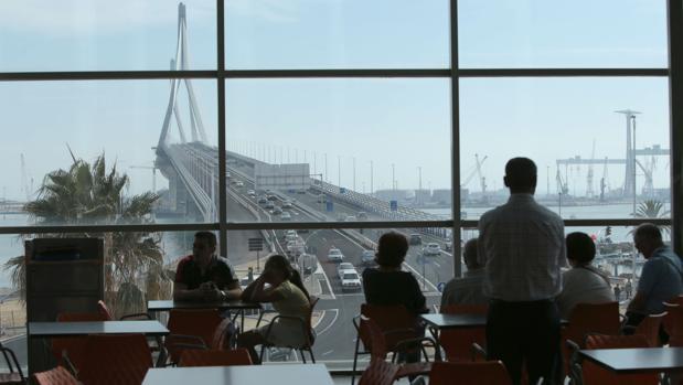 Vistas del segundo puente desde el centro comercial Bahía de Cádiz