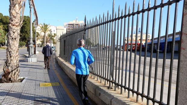 Se abrirá un debate público para decidir el futuro de los usos del muelle una vez se integre en la ciudad.