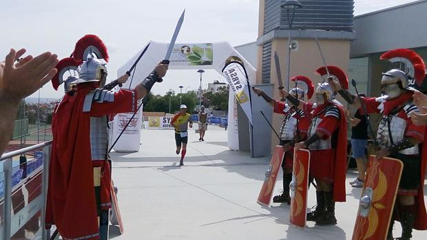 El sábado se corren los 70 km de la Ultramaratón «La Pretoriana» de Tomares