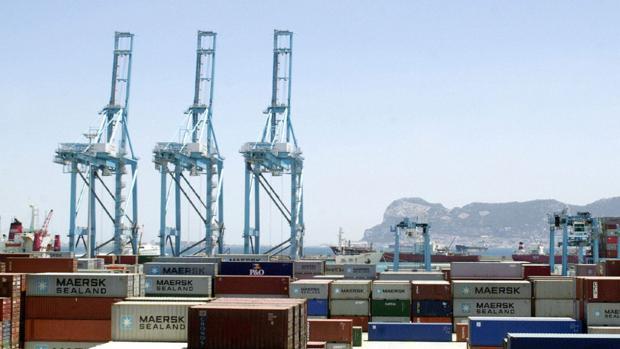 El tráfico de mercancías crece un 16% en el Puerto de la Bahía de Cádiz